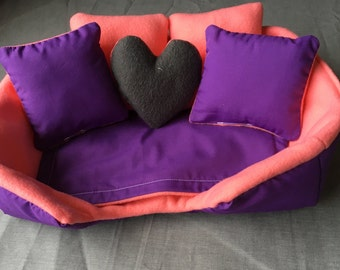 Cozy couch - purple w/ pink