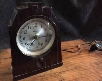 Vintage art deco Bakelite Lincoln clock