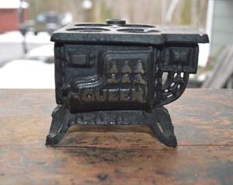 Queen Vintage Salesman sample wood burning stove, cast iron