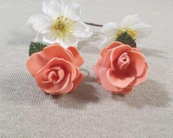 Beautiful Vintage Pair Of Silver Tone Rose Bud Flower Screw Back Earrings DL#2629