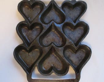 Vintage Cast Iron Cake Pan ~ 9 Heart Shaped Openings ~ Muffin or Corn Bread Pan