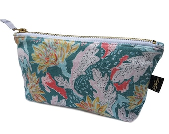 Chrysanthemum Print Makeup Bag Pouch
