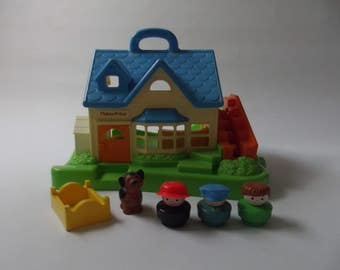vintage Fisher Price play house, little people, 1990