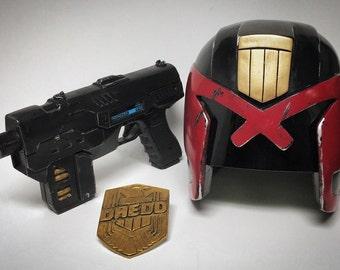 DREDD (2012) - Replica Helmet / Lawgiver / Badge Package