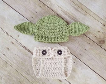 Yoda Inspired Hat and Diaper Cover, Baby Yoda Outfit, Yoda Hat. Star Wars Baby, Crochet Yoda Hat, New Mom Gift, Nerdy Parent