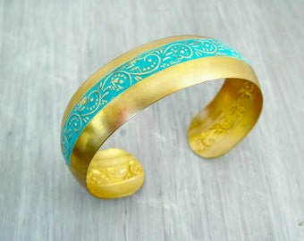 Bracelet turquoise patina raw brass cuff bracelet patinated teal ornaments floral bracelet Armreif Messing türkis patiniert Boho Armreif