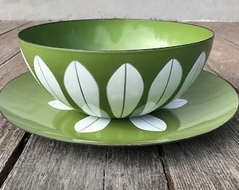 Cathrineholm Lotus Bowl and Round Charger Set Norwegian Enamelware Green White Metal Enamel Mid Century Kitchen Scandinavian Bowl Platter