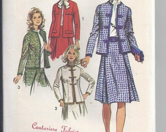 Simplicity 9819 Vintage Sewing Pattern from 1971.  Misses Suit:  Jacket and Skirt  Bust 40  UNCUT
