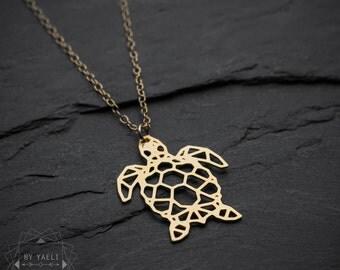 Sea turtle necklace, turtle necklace, sea necklace, origami geometric turtle, gold turtle pendant, beach necklace, turtle jewelry