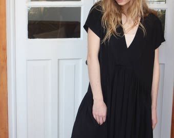 black oversized dress, V neck dress, Loose fitting dresses, Black womens sundress, Side pockets dress, Black summer dress