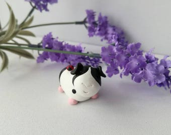 Little guinea pig and ladybird, miniature pottery black and white guinea pig, cute ceramic little cake topper