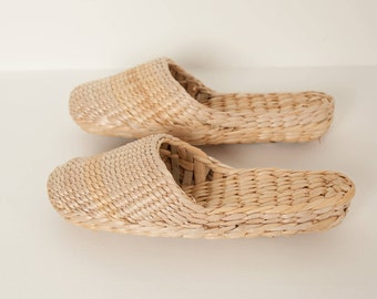 Plain hand woven slippers, slides, raffia mules, rattan slippers, yellow grass, wicker house shoes, handmade slippers, woven slippers