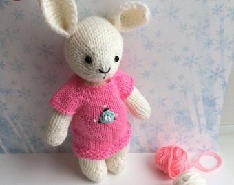 Knitted Rabbit handmade in a knitted dress. Вязаный Зайчик ручной работы в вязаном платье.