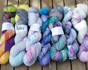 Kit for Find Your Fade Shawl by Andrea Mowry - Funky Town