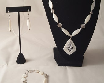 White & Silver Sea Shell Jewelry Set - Sea Shell Jewelry Set - White Sea Shell Jewelry Set - Sea Shell - White Necklace - Beach Jewelry Set