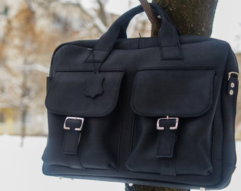 Black leather satchel. Large leather bag. Messenger. Weekend bag. Leather briefbag. Holdall. Shoulder bag. 15' laptop bag in black