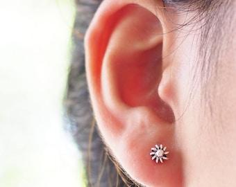 5 mm - Bali Flower Post Stud Earrings, 925 Oxidized Sterling Silver, Tiny earrings, Tiny studs, Cartilage earrings - SB237