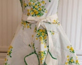 Vintage tablecloth full apron - yellow roses green gingham  - vintage pattern -  vintage buttons - vintage lace