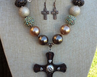 SALE! Chunky Cross Necklace Set