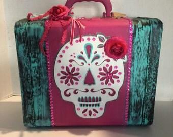 vintage suitcase, Day of the Dead, Sugar Skull, Dia de los Muertos, embellished suitcase