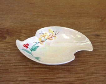 Vintage Oval Ceramic Pottery Floral Design Lustre Glazed Dish - Very Good Overall Condition.
