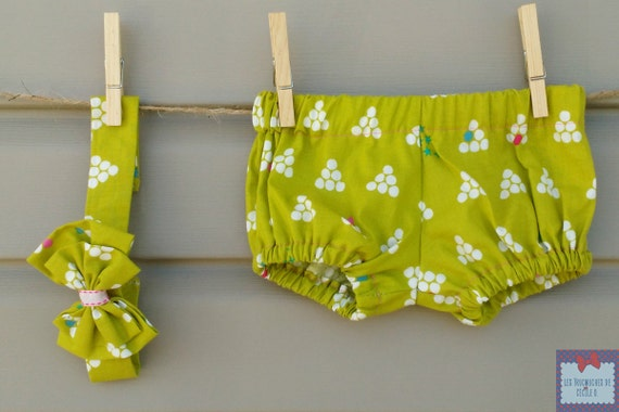 PRE-to-GO/READYTOGO - Bloomer and Attaché - sucks / Bloomer & pacifier holder - all girl / babygirl set - peas / lime green Polkadot