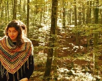 Crochet shawl, Christmas gift, triangular shawl, handmade shawl, big shawl, crochet shawl, gift, fringe, big, Christmas gift
