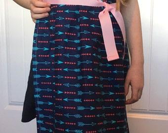 little girl apron ARROW pattern