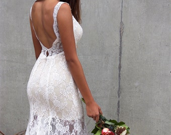 Beach Wedding Dress/ Backless Dress/Bohemian Low Back Wedding Dresses/Trumpet Wedding Dress/ Fitted Wedding Gown/ Mermaid Lace Wedding Dress