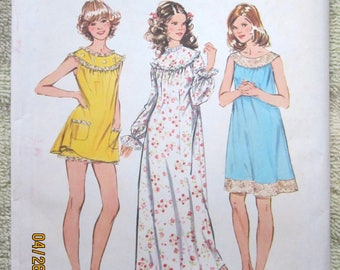 Simplicity 5030 Medium size 12 -14  Nightgown in three lengths with bloomers.