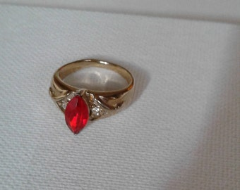 Ruby Red stunning ring from the 70's