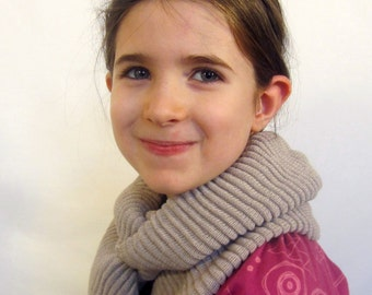 Children knit scarf, child Knitted scarf, kid loop scarf, cream tan camel 100% Merino