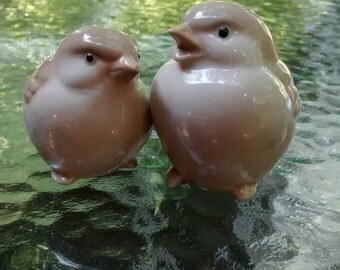 Vintage ceramic birds brown homco bird figurines tiny bird set of two 1980s glass birds