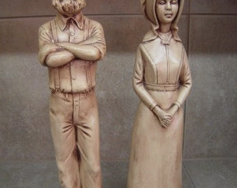 Vintage Ceramic Amish Figurine Man and Women pair