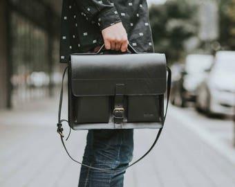 Leather Satchel Bag, handmade - Superb Black, Laptop handbag shoulder bag // Handgeschneiderte Handtasche Satchel Bag Schwarz