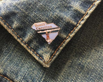 Vintage South Carolina Enamel Lapel Pin (stock# t43)