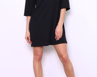 Dress Sleeve 3/4 zip at the back right
