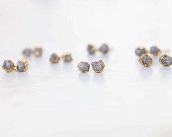 Raw Diamond Earring, Yellow Gold Rough Diamond Earring, Gray Diamond Earring, April Birthstone Earring Raw Crystal Earring Grey Diamond Stud