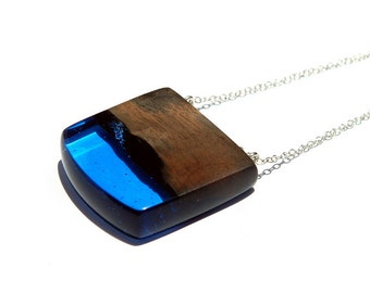 Resin wood necklace, wood resin jewelry, blue resin pendant, wood jewelry, one of a kind, resin jewellery