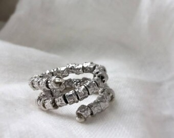Spiral ring with nuggets hammered in Silver 925