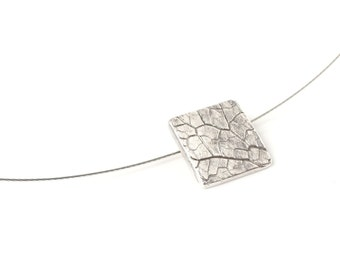 Leaf vein necklace