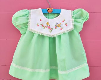 1970s Vintage Cradle Togs Baby Girl Dress, Size 3-6 months, Baby Girl Vintage Dress Green with Bird Embroidery, Vintage Baby Girl Dress