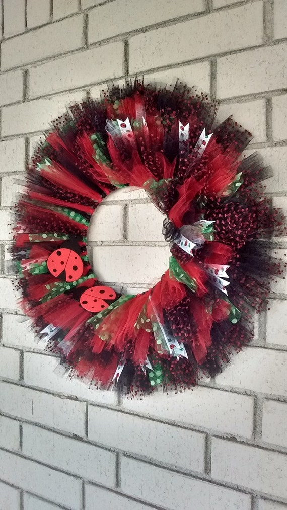 Tulle Wreath with Ladybugs, Black and red tulle wreath, Decoration, Large Wreath, Tulle wreath, Ribbon wreath, Ladybug decoration, wreath