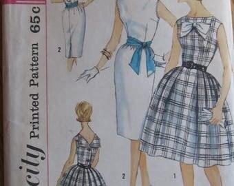 Vintage 1960s Simplicity 3909 UNCUT Vintage Sewing Pattern Size 12 Bust 32