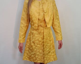 60s Yellow Sleeveless Dress with Cropped Jacket. Suit. Mod. Floral Brocade. Knee length. Cocktail. Party. Size X Small-