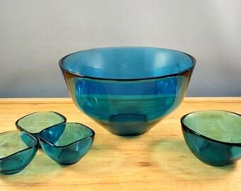 5 Orrefors, Fuga bowls in teal colour, design by Sven Palmqvist