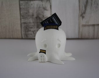 Octopus 3D Printed sd / Micro sd memory card holder PERFECT GIFT great for office / desk tidy