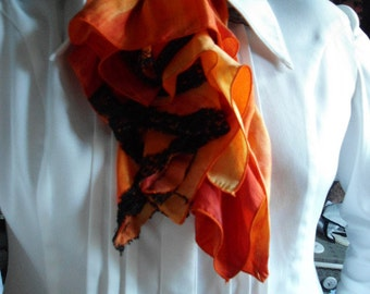 jabot in shades of orange