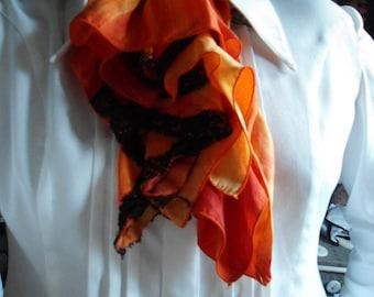jabot in shades of orange