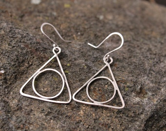 Geometric Sterling Silver Earrings, Triangle and Circle Hammered Silver Wire Earrings, Handmade Dangle Earrings, Valentines Day Gift for Her
